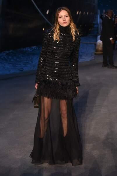 Christa Theret au défilé Chanel croisière 2018, le 3 mai au Grand Palais