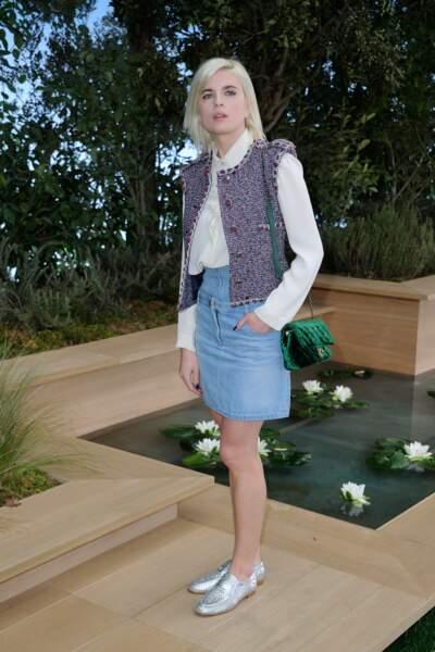 Cécile Cassel tente de faire revenir la jupe en jean sur le devant de la scène (c'est non)