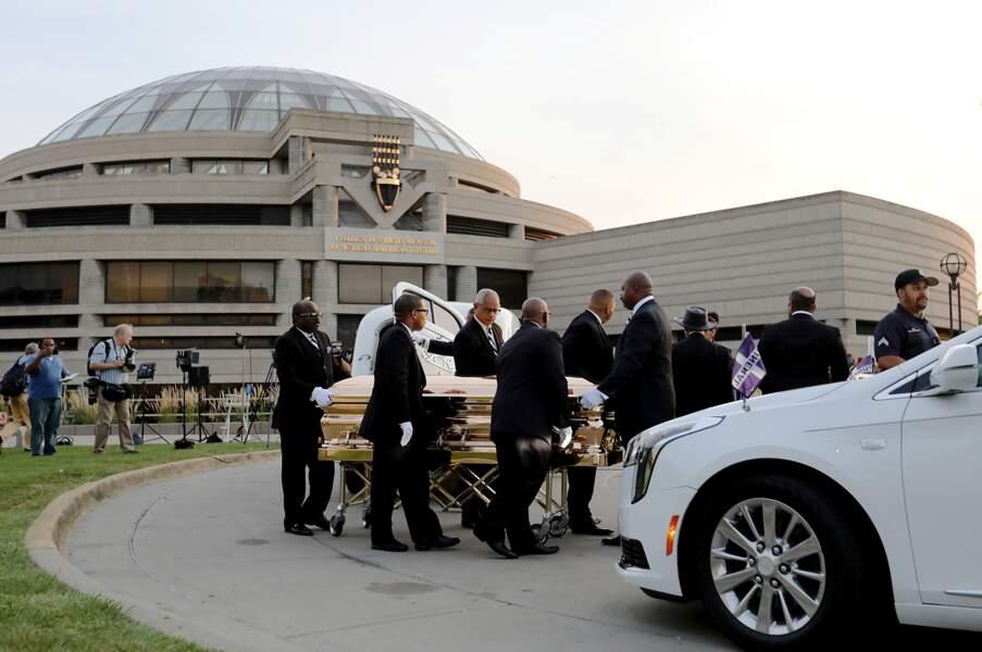 Le cercueil d'Aretha Franklin au musée d'histoire afro-américaine Charles H. Wright, à Détroit