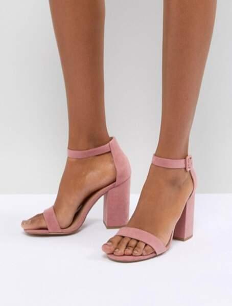 Sandales en suédine à talons carrés, New Look, 25,99€