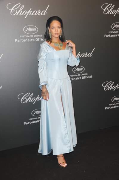 Festival de Cannes 2017 : Rihanna en prom dress des années 90. A-t-elle regardé Collège Attitude récemment ?