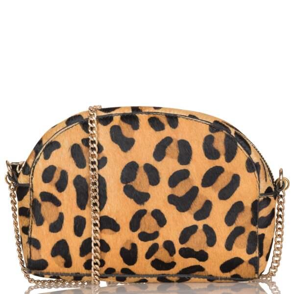 Besace en cuir façon poulain motif léopard, Petite Mendigote, 135€