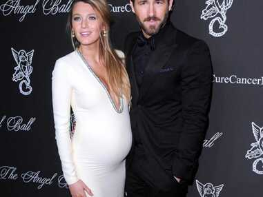 Blake Lively enceinte et très sexy aux côtés de son mari Ryan Reynolds