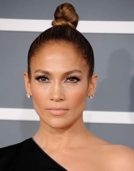Les plus belles coiffures pour un mariage - Le bun de Jennifer Lopez