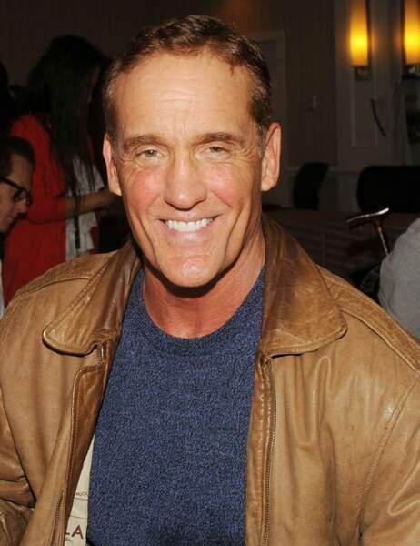 John Wesley Shipp, 58 ans, retrouve le succès avec la série Flash, dans laquelle il joue le père du héros