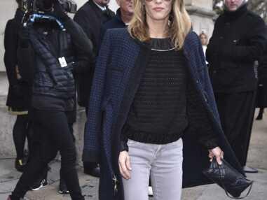 Vanessa Paradis et Lily-Rose Depp très complices au défilé Chanel