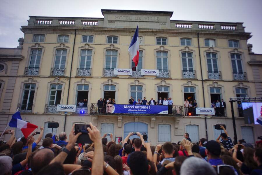 La foule venue accueillir Antoine Griezmann, de retour à Mâcon