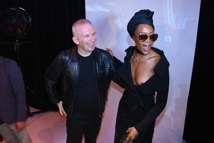 Accident de robe : Naomi Campbell au défilé Jean Paul Gaultier Haute couture