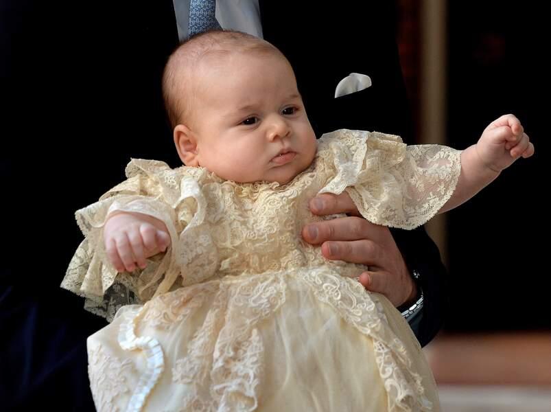 2013 Le prince George lors de son baptême