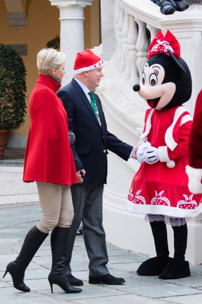 """Albert II, Charlène de Monaco et Minnie pour """"L'arbre de Noël du Palais Princier"""" le 20 décembre"""