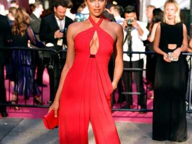 Décolletés, stars topless, robe transparente : c'était chaud aux Fashion Awards