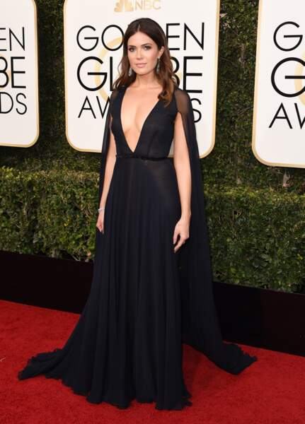 Golden Globes 2017 : Mandy Moore SUBLIME en Naeem Khan