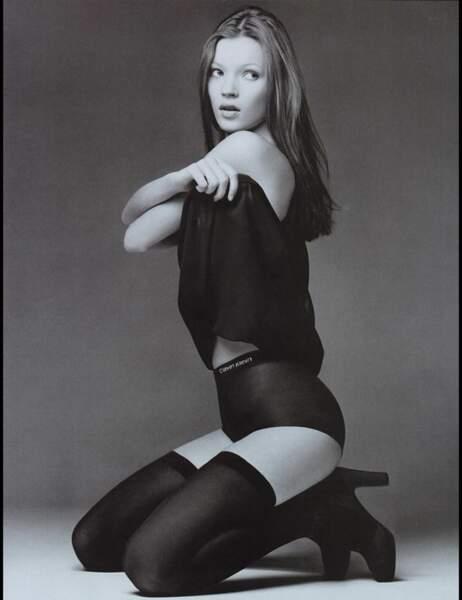 Il y a 22 ans, Kate Moss posait pour sa première campagne Calvin Klein