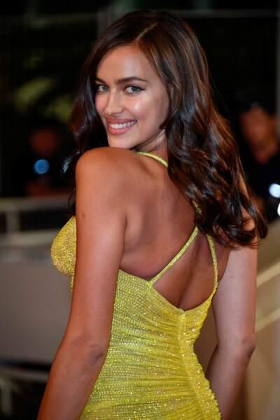 Festival de Cannes 2017 : Irina Shayk sublime pour son premier red carpet après la naissance de sa fille