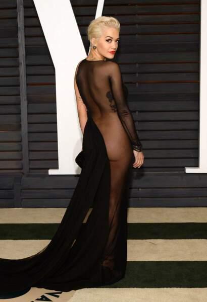 Rita Ora, de fesses, à la 87e cérémonie des Oscars en 2015