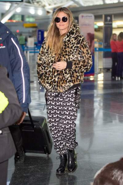Don't Heidi Klum dans un street look très très casual