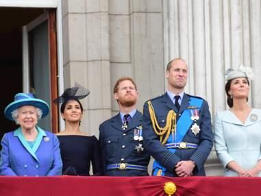 VOICI - Centenaire de la Royal Air Force, Meghan Markle sublime, la reine Elizabeth très en forme