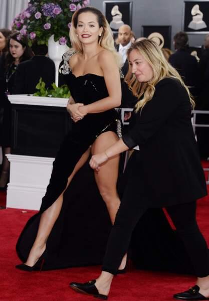 Accident de robe : Rita Ora aux Grammy Awards à New York