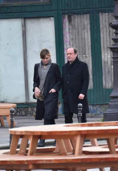 Les politiques présents lors de l'hommage à Johnny Hallyday : Julie Gayet et François Hollande