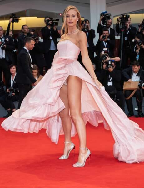 Accident de culotte pour une invitée à la 75e Mostra de Venise