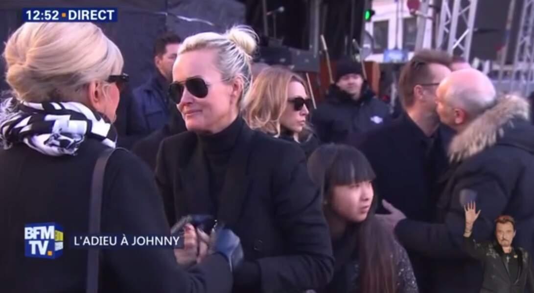 Hommage à Johnny Hallyday : submergée par l'émotion, Laeticia verse encore des larmes