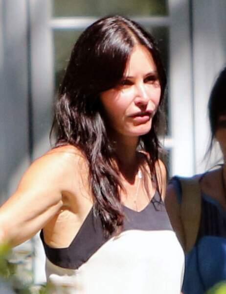 Courteney Cox en tournage pendant l'été 2013, le visage bouffi