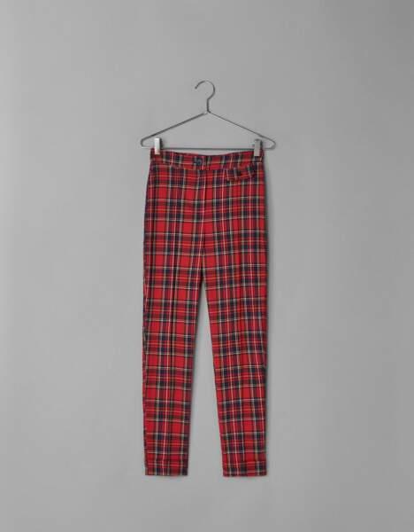 Pantalon skinny carreaux rouges, Bershka, 24,99€