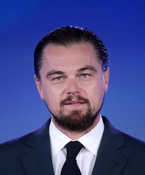 Leonardo DiCaprio moyen barbu : présentateur d'un 20h aux Etats-Unis.