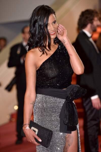 Accident de robe : Shy'm toute en transparence au Festival de Cannes