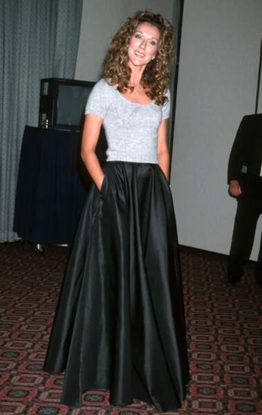Céline Dion a 50 ans : ces 15 fois où elle était à la pointe de la mode (la jupe longue)