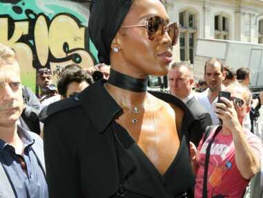Naomi Campbell en montre trop au défilé Jean Paul Gaultier