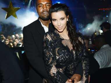 Kim Kardashian en robe très transparente pour le réveillon