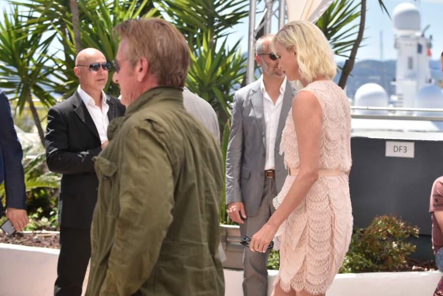 Cannes 2016: Charlize Theron et Sean Penn ont marché loiiiiin l'un de l'autre
