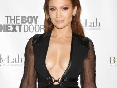 Jennifer Lopez : son décolleté incendiaire !