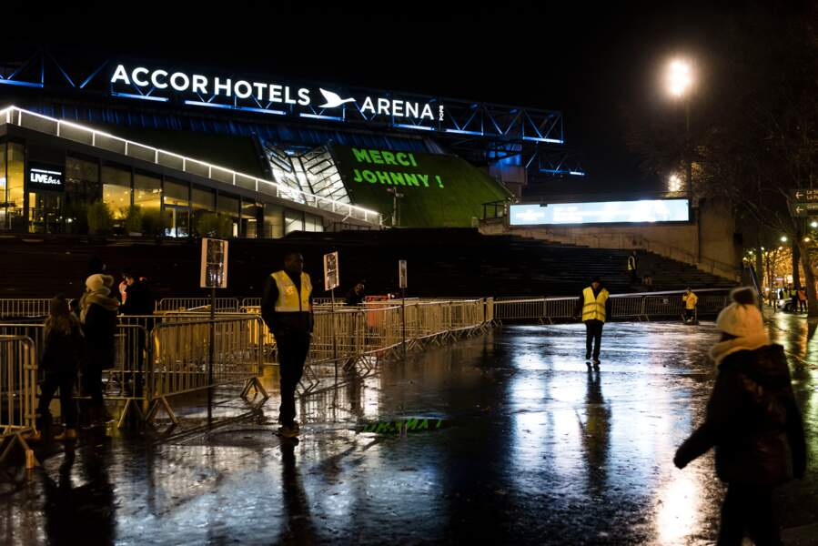 L'AccorHotels Arena s'allume pour Johnny Hallyday