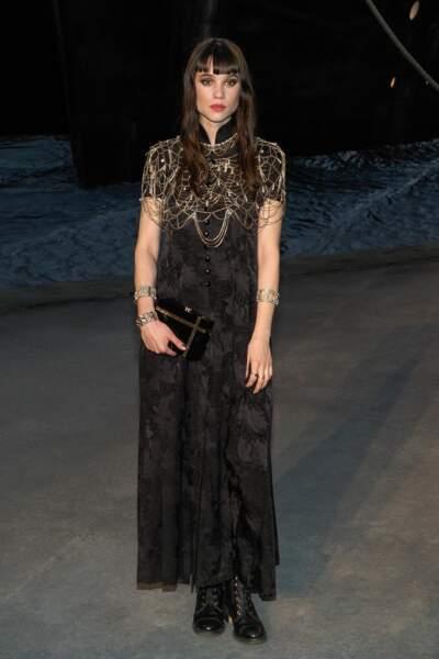 Astrid Berges au défilé Chanel croisière 2018, le 3 mai au Grand Palais