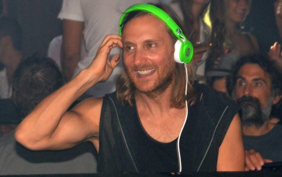 N°14 David Guetta : le DJ chute d'une toute petite place