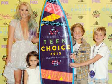 Teen Choice Awards 2015 : Britney Spears et son décolleté pigeonnant