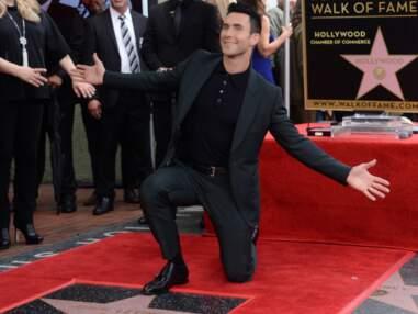 Adam Levine inaugure son étoile sur le Walk of Fame en famille