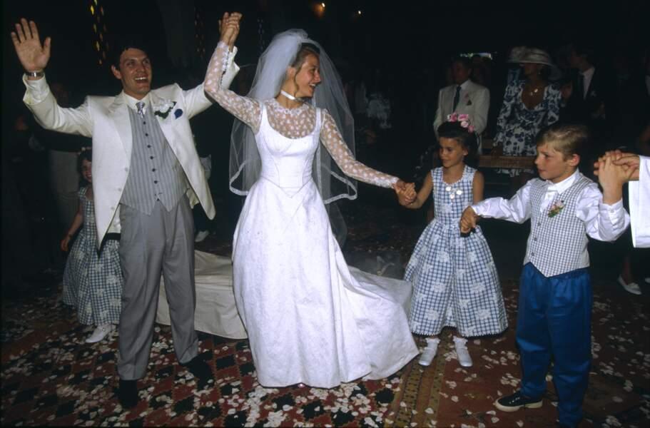 Mariage de Marc Lavoine et Sarah Poniatowski le 26 mai 1995, avec Alain Delon