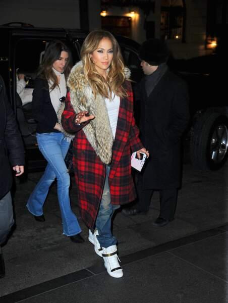 Les do et les don'ts de la semaine : les bottines blanches - Jennifer Lopez