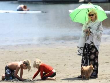 Gwen Stefani s'éclate à la plage avec ses enfants