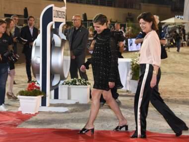 PHOTOS Charlotte Casiraghi dévoile son ventre arrondi au jumping de Monte Carlo
