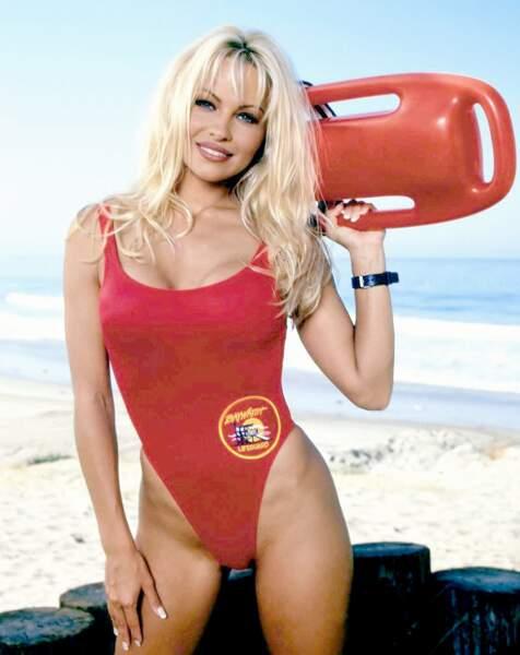 Évidemment ! Pamela Anderson à l'époque où elle jouait lerôle de CJ Parker dans Alerte à Malibu