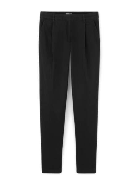 Pantalon noir ajusté, Somewhere Paris, 79€