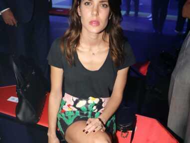 """Charlotte Casiraghi d""""contractée et sexy, Salma Hayek très sage au défilé Gucci"""