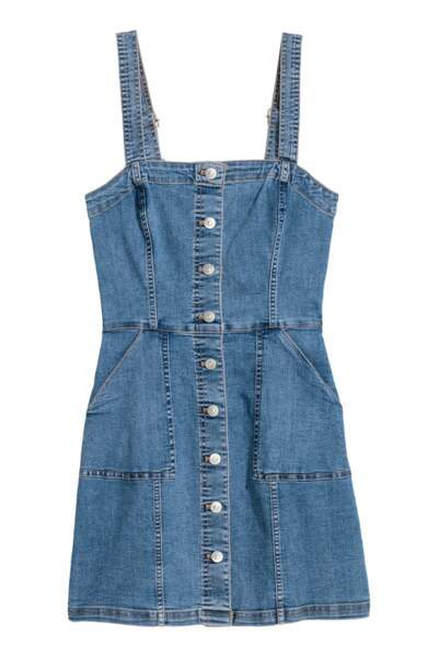 Robe en jean, H&M, 17,99 euros au lieu de 29,99 euros