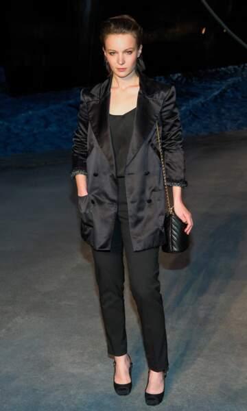 Diane Rouxel au défilé Chanel croisière 2018, le 3 mai au Grand Palais