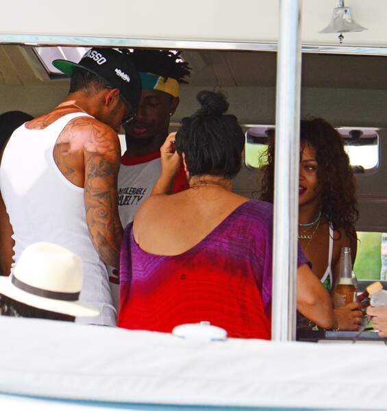A voir le regard fasciné de Rihanna....