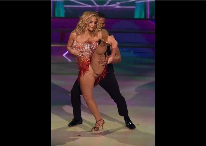 Accident de robe : Accident de robe : Anastacia dans la version italienne de Danss avec les stars